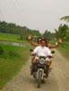 Und auf geht's - quer über die Reisfelder in Richtung Berge